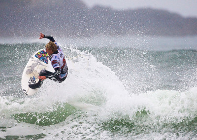 tofinosurfingoneill2009cwc19fave2